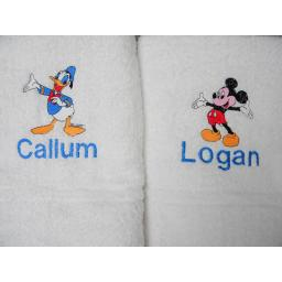 Mickey Mouse or Donald duck bath towel with a name available in 6 colours
