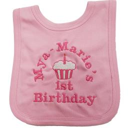 1st Birthday bib personalised with a name and cupcake